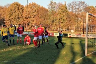 Tim Barten scoort de 0-1